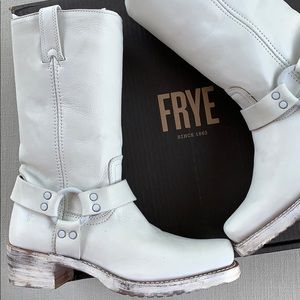 FRYE NEW USA Harness 12R White Distressed Boots